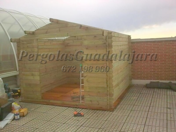 Proyectos de carpinter a p rgolas guadalajara for Caseta para herramientas jardin