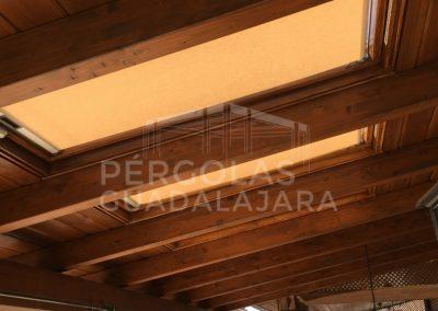 porche madera con ventanas